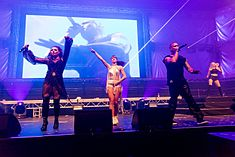 2 Unlimited - 2016332013453 2016-11-26 Sunshine Live - Die 90er Live on Stage - Sven - 5DS R - 0384 - 5DSR9128 mod.jpg