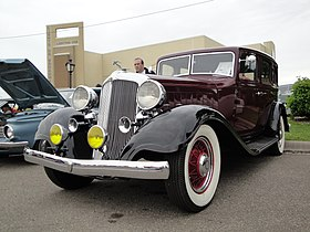 33 Chrysler Imperial.jpg