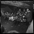 "5.7.65. Les ""recluses"" des grottes de Lacave (Lot) sortent (1965) - 53Fi5102.jpg"