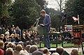 8 oktober onzetviering met publiek tijdens toespraak Tussen ongeveer de jaren 1960 en 1990 heeft de - RAA-DMGA-02039 - RAA Elsinga.jpg