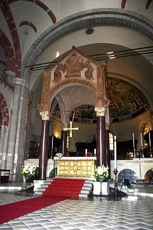 Ciborium (architecture) - Image: 9663 Milano S. Ambrogio Ciborio Foto Giovanni Dall'Orto 25 Apr 2007