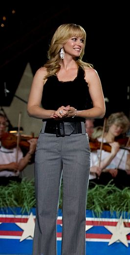 A.J. Cook op het Memorial Day concert in 2010