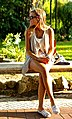 A beautiful woman profile (9296099702).jpg