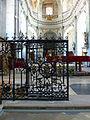 Abbaye de Moyenmoutier-Grille gauche.jpg