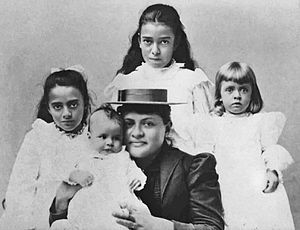 James Campbell (industrialist) - His wife and daughters