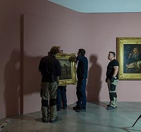 Accrochage de L'Angélus expositionJF.Millet01.jpg