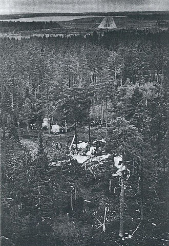 Aero Flight 217 - The wreck of OH-LCA short of the runway.