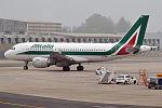 Alitalia, EI-IMT, Airbus A319-111 (26308018280).jpg