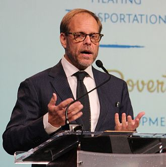 Alton Brown - Brown speaking at a Hopelink fundraiser event in 2015
