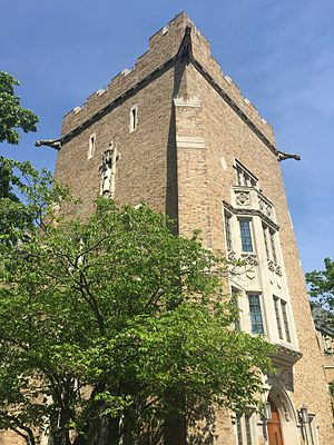 Alumni Hall (University of Notre Dame) - Image: Alumni hall tower
