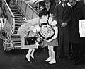 Amerikaanse filmster Gloria Swanson, aankomst Schiphol, Bestanddeelnr 907-4179.jpg