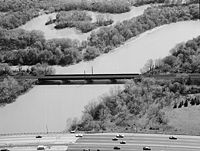 Amtrak Anacostia River Bridge 1977.jpg