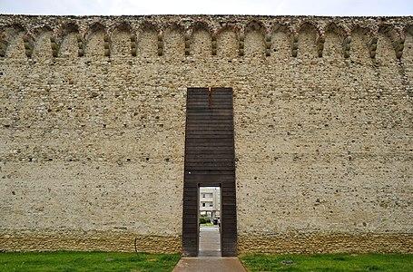 Antiche mura prato.jpg