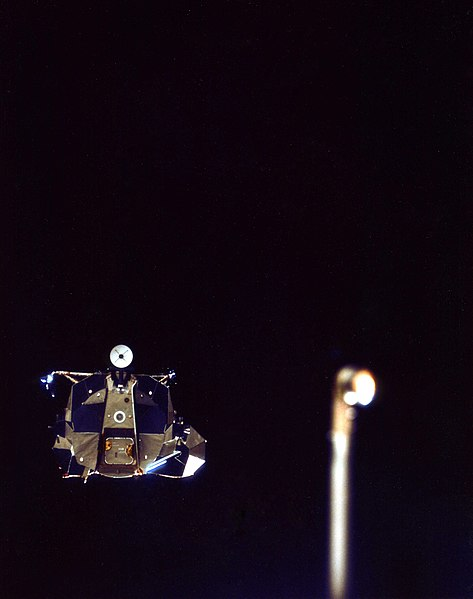 File:Apollo 15 LM Falcon during rendezvous.jpg