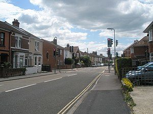 Approaching the traffic lights in Grove Road - geograph.org.uk - 1384622.jpg