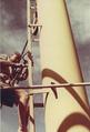 Arbeiten am Mast auf dem Bootsmannstuhl - 1957.png