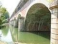 Arches du pont-canal du Cacor.jpg