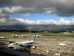Geneva Airport - Apron overview