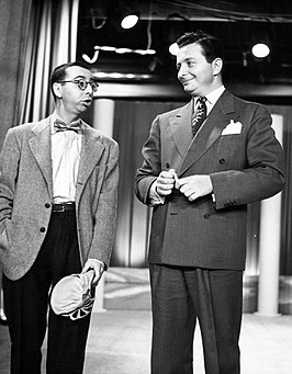 Arnold Stang (links) met Henry Morgan (1951)