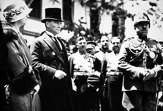 Afghanistan–Turkey relations - First Turkish President, Mustafa Kemal Atatürk, on the left with King Amānullāh Khān of Afghanistan in Ankara in 1928.