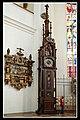 Automatenuhr in der Münchner Frauenkirche - panoramio.jpg