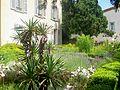 Auvers-sur-Oise (95), maison du Dr Gachet, jardin devant la maison.jpg