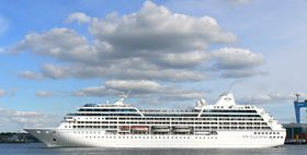 Image illustrative de l'article Azamara Journey
