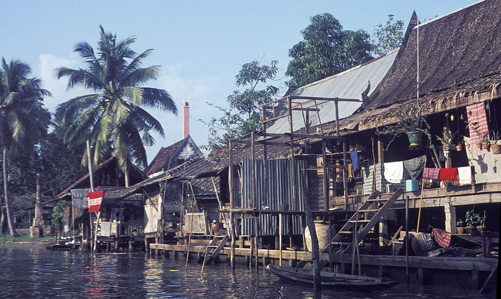 Photo de Bangkok au bord de l'eau en 1965 - Photo de H. Grobe