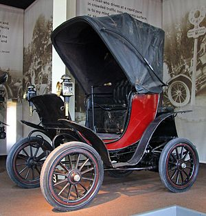 Columbia (automobile brand) - 1901 Columbia Victoria Phaeton for her daughter-in-law to drive where she wished