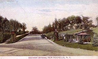 Beechmont, New York - Image: Beechmont Entrance