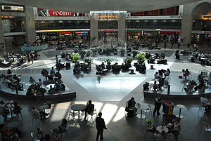 Ben Gurion Airport main lobby.JPG