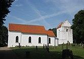 Fil:Benestads kyrka i augusti 2012.jpg