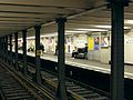 Berlin - U-Bahnhof Theodor-Heuss-Platz (15021298299).jpg