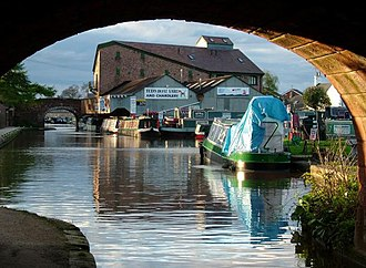 Shropshire Union Canal - Image: Betton Mill On Shropshire Union Canal At Market Drayton(Andy And Hilary)Apr 2005
