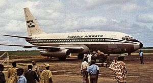 Nigeria Airways - Passengers boarding a Boeing 737 at Calabar Airport for a flight to Lagos. (1981)