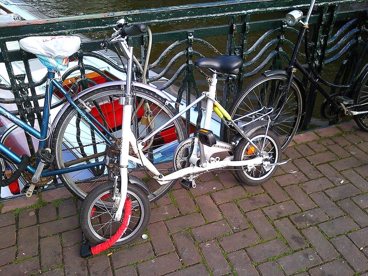 File Bridgestone Picnica Foldingbike Amsterdam Jpg Wikimedia Commons