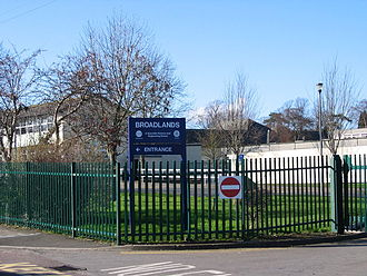 Broadlands Academy - Image: Broadlands School