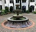 Brunnen Belfortstr8 München.jpg