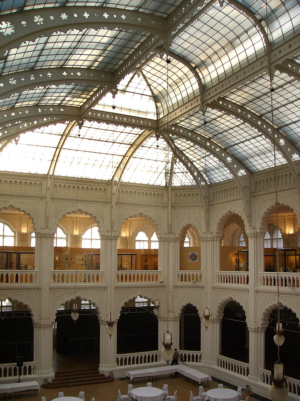 Budapest Museum of Applied Arts interior2