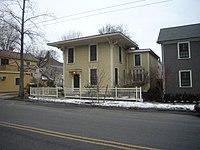Building at 259 Mount Auburn Street in Cambridge, MA.jpg