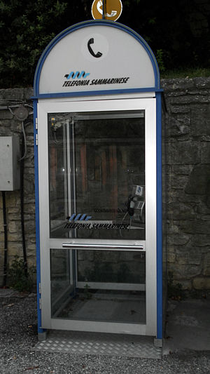 Telecommunications in San Marino - Phone booth in the City of San Marino