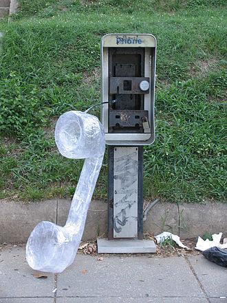 Lock On (street art) - Image: Callwaiting