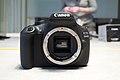 Canon EOS 1200D 03.jpg