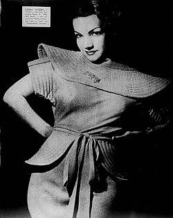 Carmen Miranda en una foto publicitaria para la revista brasileña A Scena  Muda 796a661a298