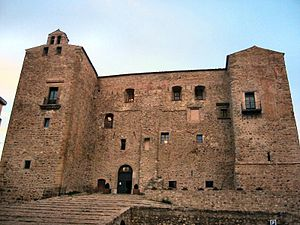 Giro di Castelbuono - The Castello dei Ventimiglia sits at the centre of the small town