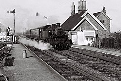 Castle Ashby & Earls Barton railway station (1964).JPG