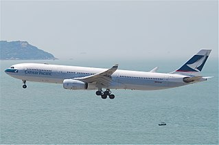 Cathay Pacific Flight 780 aviation accident