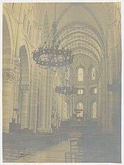 Photographie de l'intérieur de la nef de la cathédrale de Gap vers le chœur