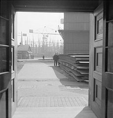Cecil Beaton Photographs- Tyneside Shipyards, 1943 DB175.jpg