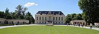 Château La Louvière main building 20110508.jpg
